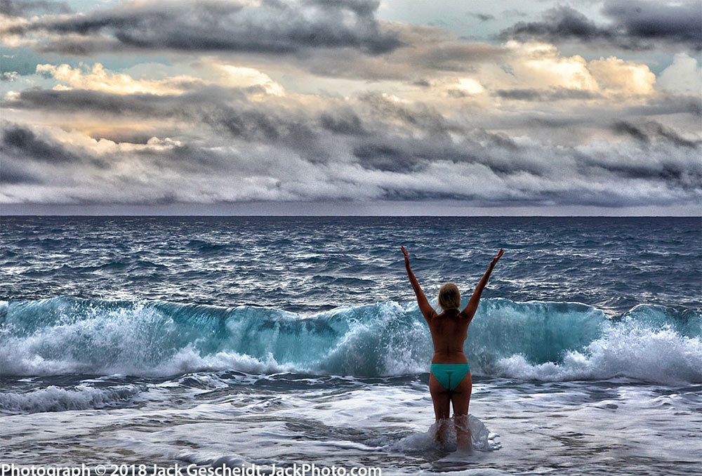 beach-woman-dusk-wave-Hawaiian-TreeSpirits-TreeSpirit-Project-1000p-WEB